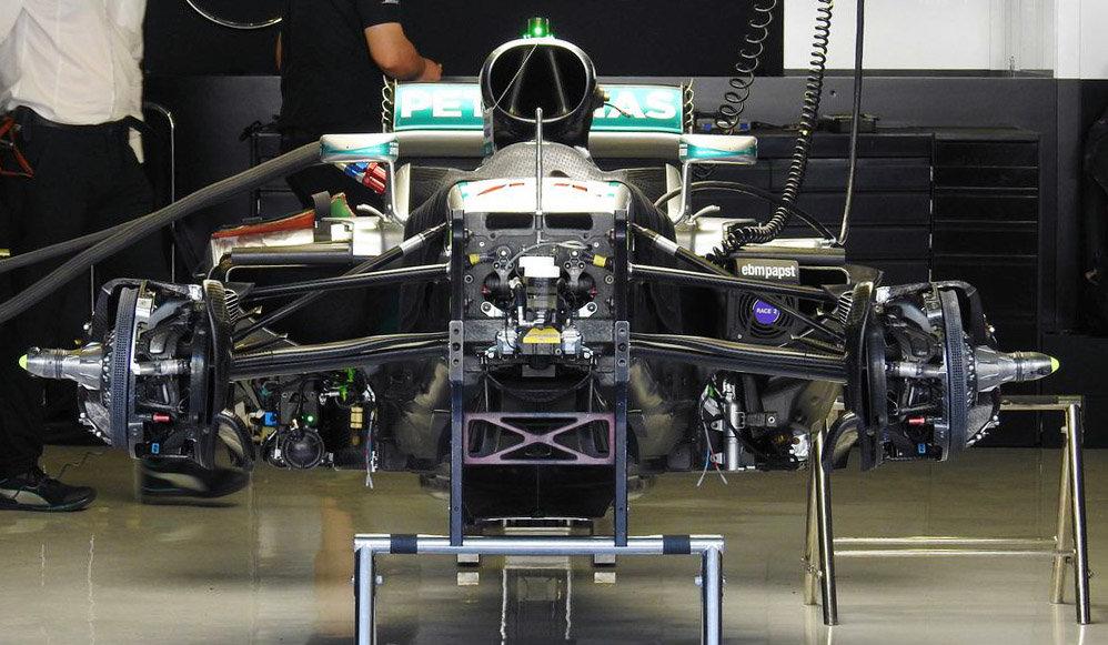 FOTO: Detaily mistrovského Mercedesu F1 W07 Hybrid pěkně zblízka - anotační foto