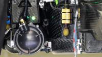 Pohled do útrob bočnic Mercedesu F1 W07 Hybrid