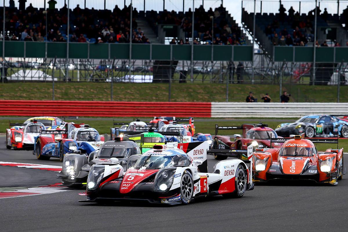 Start v Silverstone je vždy i startem do nové sezóny.