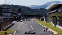 Vozy týmu Toyota Gazoo Racing na domácí trati ve Fuji