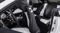 Mercedes-Benz třídy E s karosérií kupé patří k nejelegantnějším autům dneška.