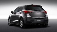 Mazda Demio Custom Style ukazuje malý hatchback ve sportovním.