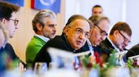 Prezident Sergio Marchionne hovoří k novinářům