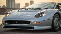 Ultimátní Jaguar XJ220 jde do dražby