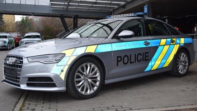 Policie převzala svá historicky nejrychlejší vozidla. K čemu jí budou? - anotačné foto