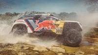Projděte si všechny vítěze Rally Dakar v kategorii automobilů - anotačno foto
