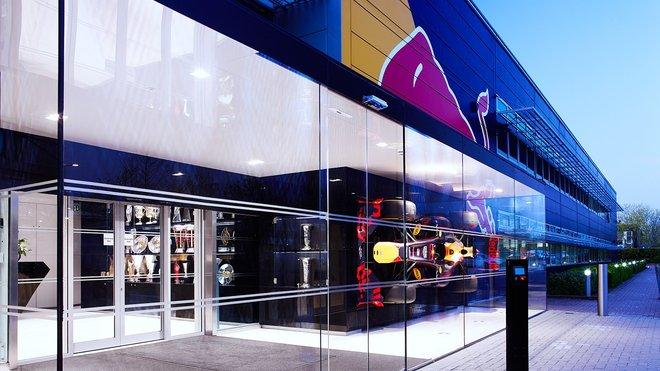 Továrna Red Bullu v Milton Keynes