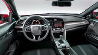 Honda Civic desáté generace přichází na český trh.
