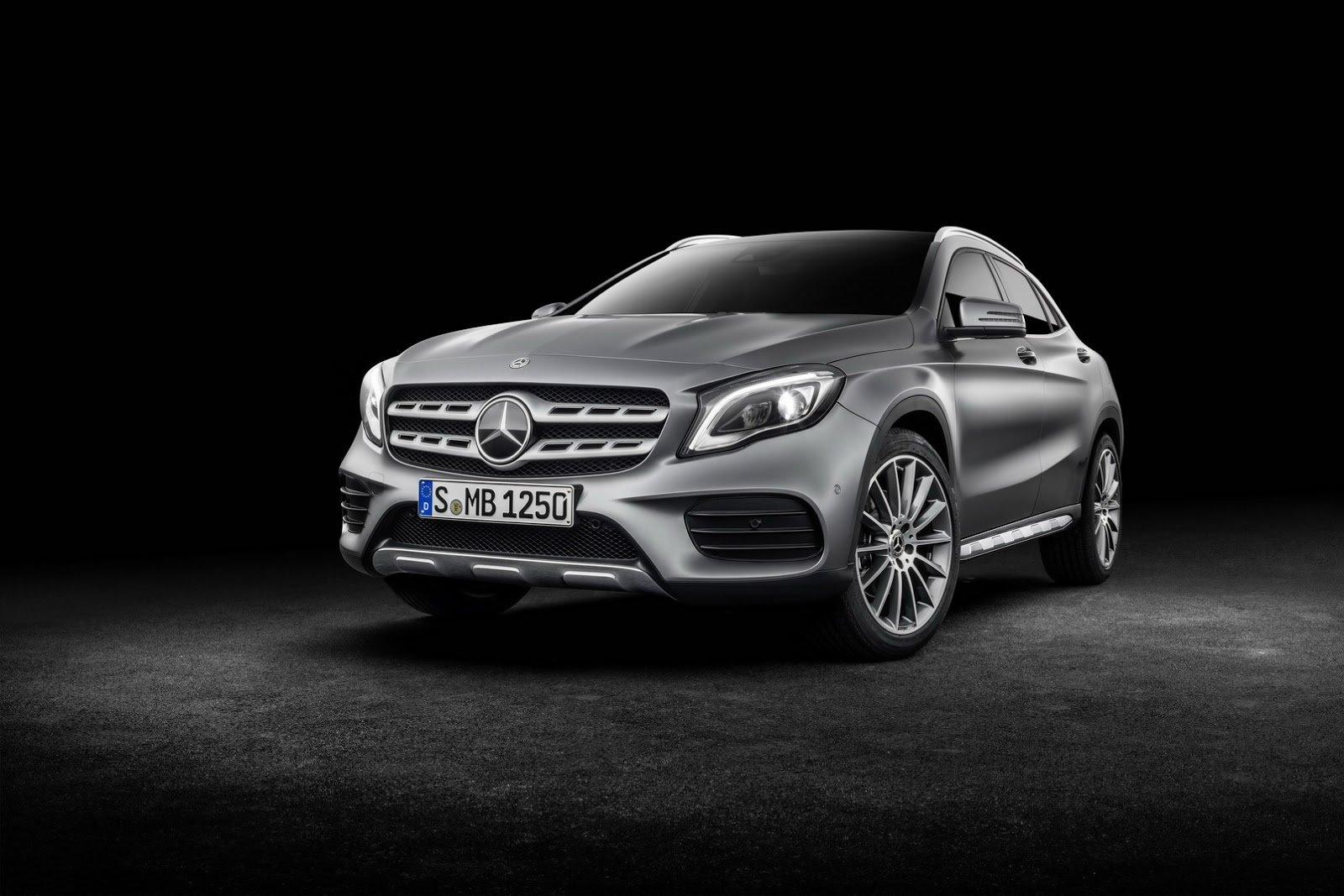 Mercedes-Benz GLA dostal po faceliftu třeba full-LED světlomety.