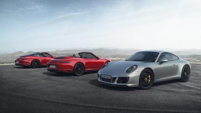 Manuál ještě žije, tradice nikoliv. Porsche 911 GTS ale přesedlalo na přeplňovaný šestiválec - anotačné foto