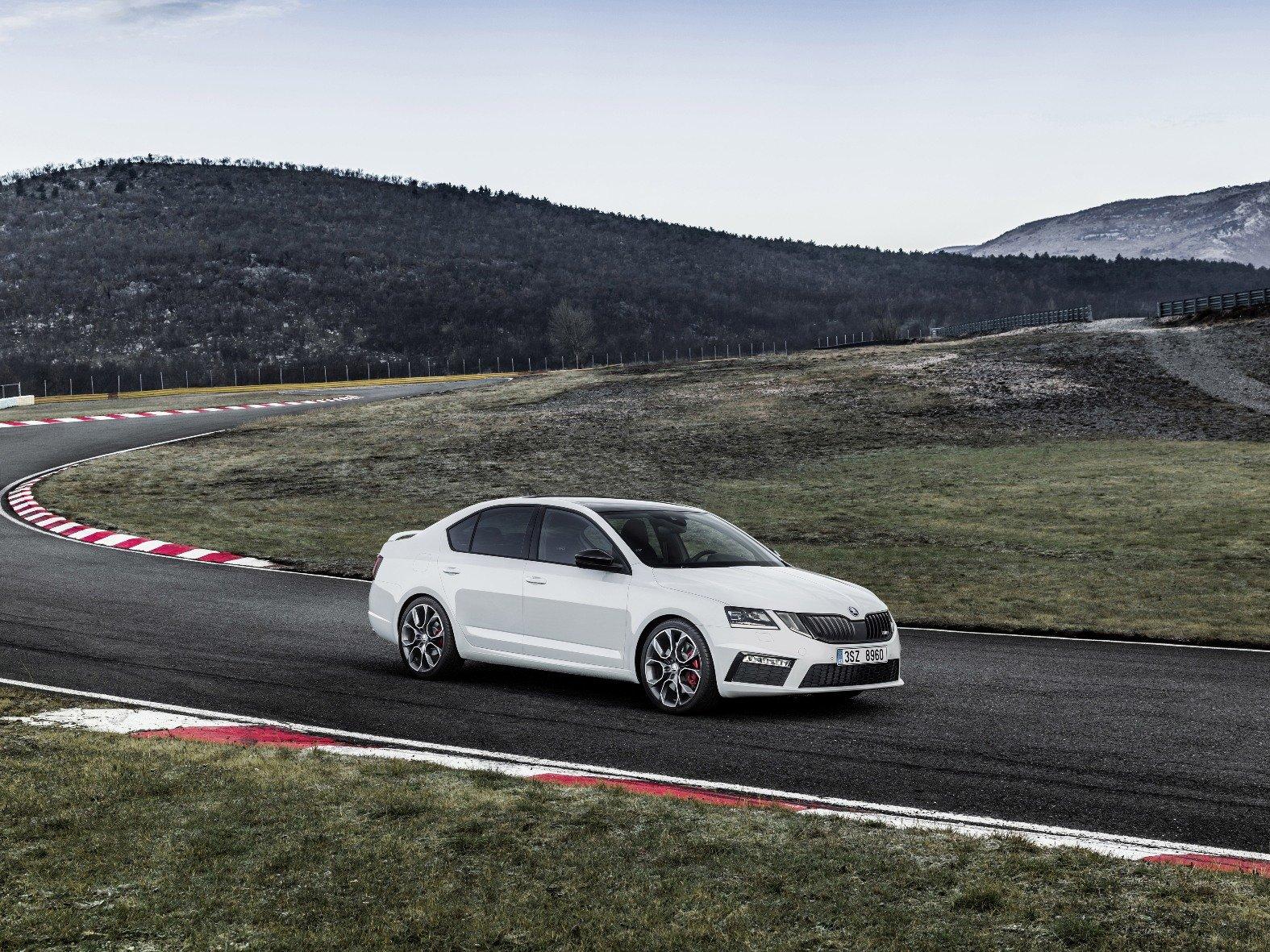 Škoda Octavia RS přichází na český trh, je dražší než doposud.