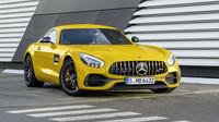 Německý muscle car po faceliftu posílil. Dokáže ale jezdit za nereálnou spotřebu - anotační obrázek