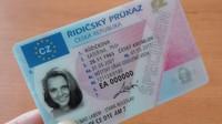 Hrozí vám nepříjemná pokuta! V Česku si musí letos vyměnit řidičák až tři čtvrtě milionu lidí - anotační foto