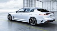 Kia Stinger GT v bílé barvě míří na evropské trhy.