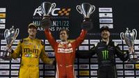 Vettel vyhrál pro Německo Pohár národů, věnoval triumf Michaelu Schumacherovi + VIDEO - anotační foto