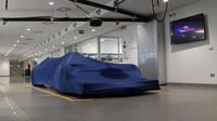 Nové Toro Rosso pod plachtou v továrně