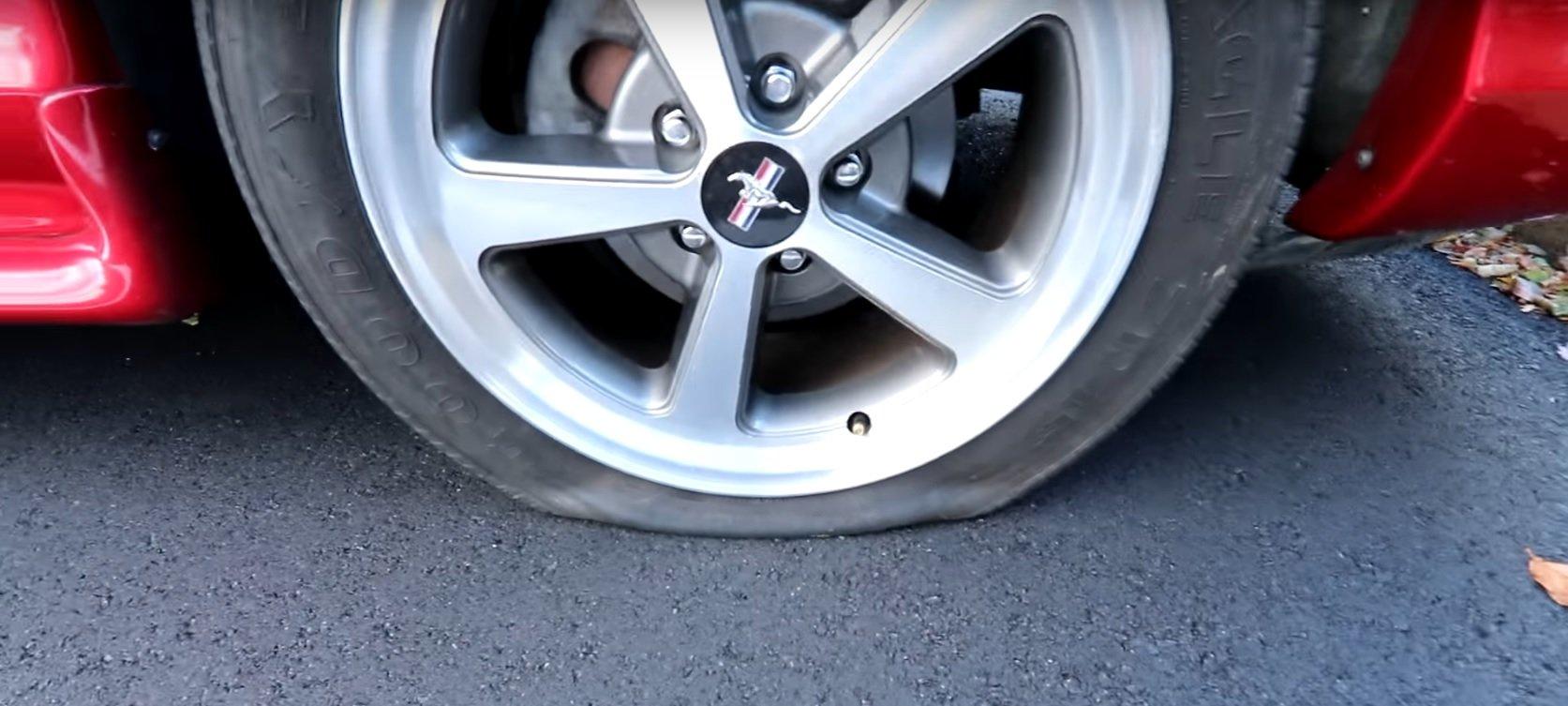 Jak opravit píchlou pneumatiku?