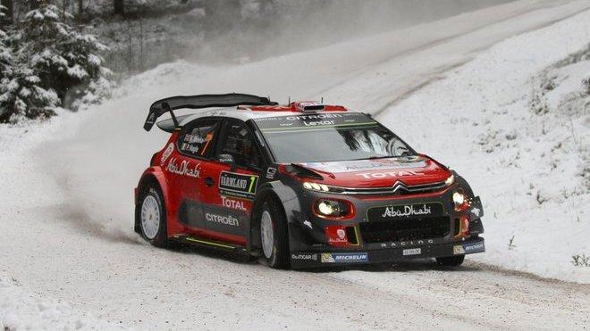 Citroën C3 WRC v rychlé levotočivé zatáčce