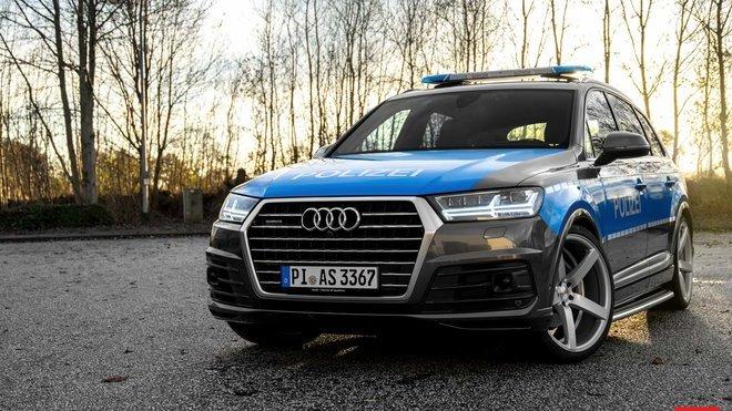 Audi Q7 s policejním paketem