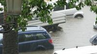 Většina zaplavených aut skončila na odpis