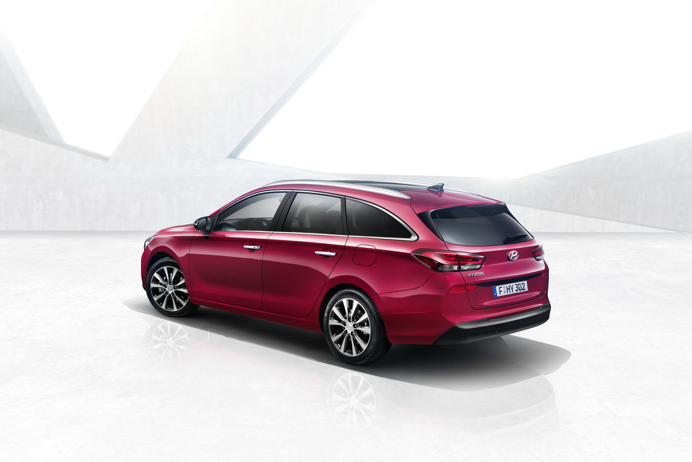 Oficiálně: Hyundai i30 kombi se představuje. Podobnost s Mercedesem CLA Shooting Brake je čistě náhodná?