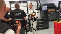 Robert Kubica při rozhovoru s novináři