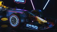 Red Bull - detail přídě