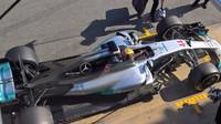 Hamilton nejlepší, Ferrari na číhané, McLaren a Red Bull s problémy, to byl první test - anotační foto