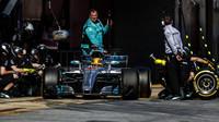 Nejrychlejší zastávku předvedl Mercedes. Kolik času zabrala výměna širších pneumatik? - anotační obrázek