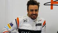 Fernando Alonso v dobré náladě při testech