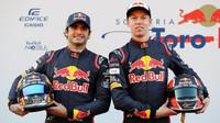 Jezdecká dvojice Toro Rosso: Carlos Sainz a Daniil Kvjat