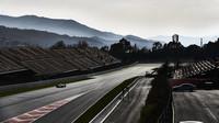 Hamilton se v odpoledni třetího testovacího dne věnoval především závodní simulaci