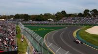 FIA chce pomoci předjíždění v Austrálii, poprvé v historii přidává třetí DRS zónu - anotační foto