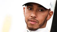 Hamilton vyzývá Mercedes k rychlému řešení problémů s výdrží pneumatik - anotační foto