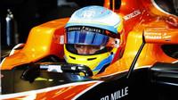 McLaren usilující o setrvání Alonsa: