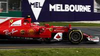 Kimi Räikkönen při pátečním tréninku v Austrálii
