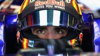 Carlos Sainz při pátečním tréninku v Austrálii