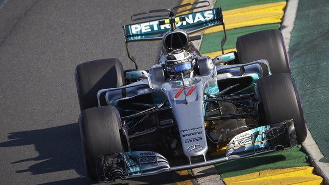 Valtteri Bottas při prvním závodě sezóny v Austrálii