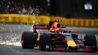 Max Verstappen jiskří při pátečním tréninku v Austrálii
