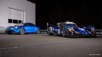 Prototyp Alpine A470 týmu Signatech Alpine Matmut při představení před zahájením sezóny WEC 2017