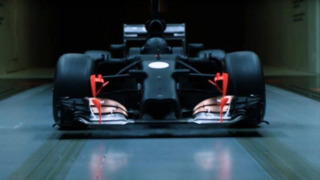 Model vozu F1 v aerodynamickém tunelu