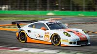 Porsche 911RSR zákaznického týmu Gulf Racing při prologu v Monze