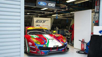 Vůz Ferrari 488GTE týmu AF Corse při prologu v Monze (aprílový žertík)