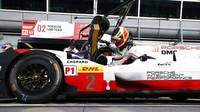 Timo Bernhard usedá do vozu Porsche 919 Hybrid v rámci prologu v Monze