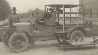 Škoda už v roce 1906 zahájila výrobu sanitních vozů. Na snímku Laurin & Klement Voiturette A
