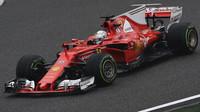 Sebastian Vettel s Ferrari SF70H v Číně