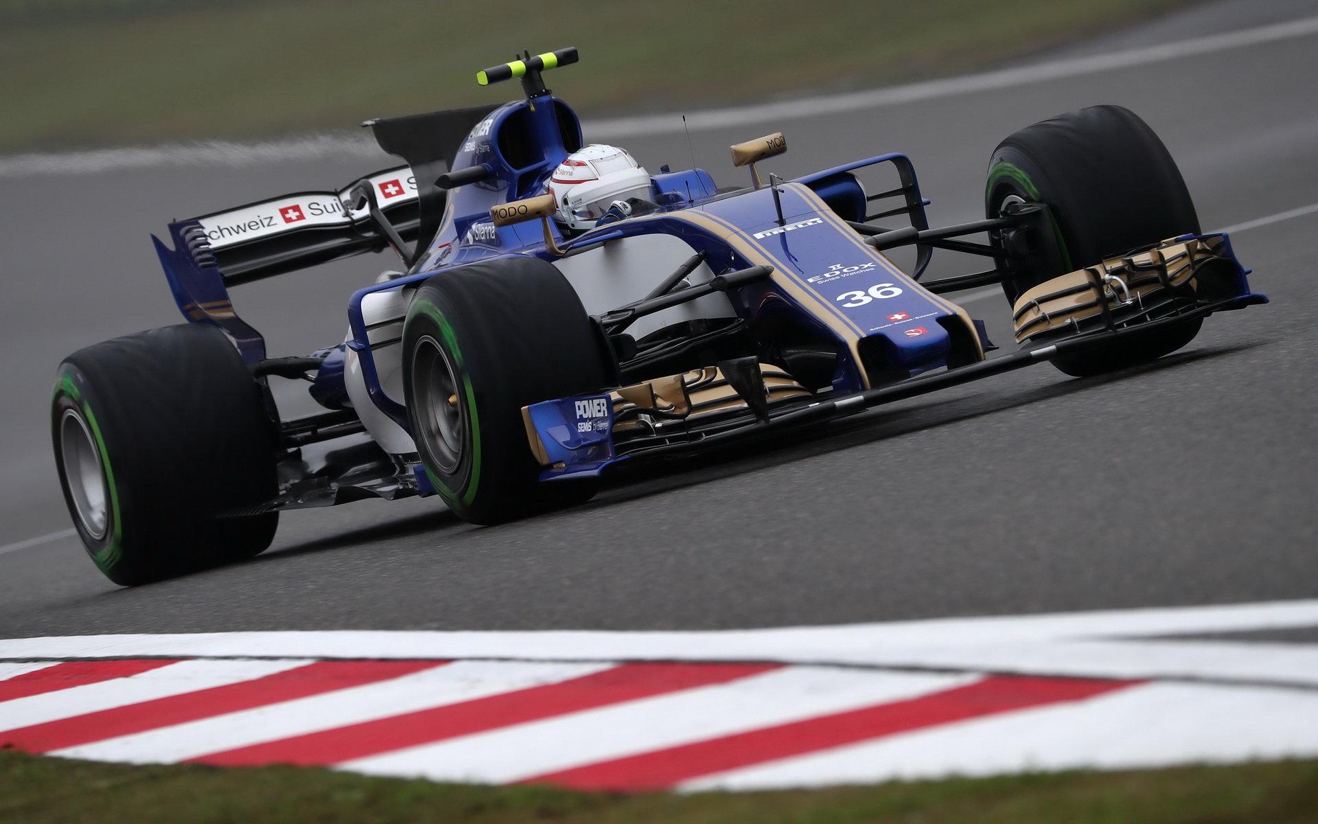 Antonio Giovinazzi se nevyvaroval zbytečných chyb, když v úvodu sezóny zaskakoval za zraněného Pascala Wehrleina