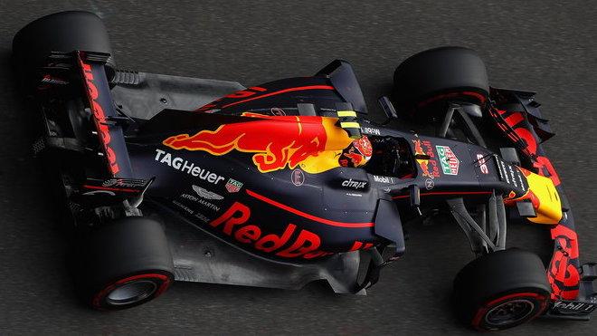 Max Verstappen během kvalifikace v Číně