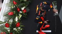 Max Verstappen na pódiu po závodě v Číně