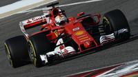 Sebastian Vettel při tréninku v Bahrajnu